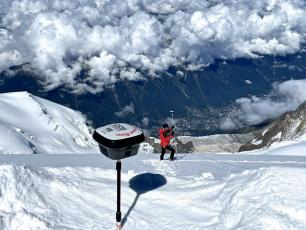 Surveyors travel to the summit of Mont Blanc every two years to determine the exact elevation of the highest peak in Western Europe. Nicolas MAGNIN Photo source : @Le Dauphine