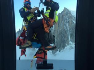 L'équipe de secours PGHM de Chamonix. photo source : @www.facebook.com/greg.mathis.96