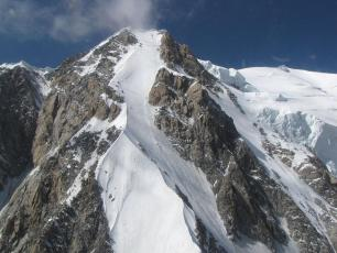 Mont Blanc de Courmayeur, whatleydude / CC BY (https://creativecommons.org/licenses/by/2.0)