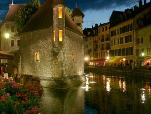 sightseeing in annecy visitor attractions in annecy. Black Bedroom Furniture Sets. Home Design Ideas