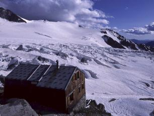 Refuge Albert 1er: Mountain Hut in the french side of the Mont Blanc Massif