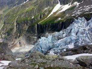 Glacier d'Argentière en été, photo @ https://www.chamonix.com/randonnee-lognan-glacier-d-argentiere-(point-de-vue),241-4676724,en.html