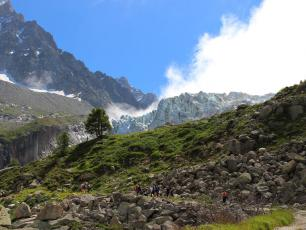 Les Grands Montets in summer, photo @ https://www.chamonix.com/