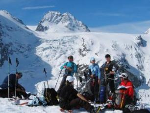 Picnic on the Haute Route Copyright @ http://www.guide4chamonix.com