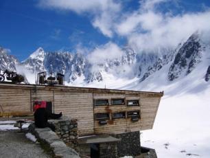 Argentière Refuge: Haute Route Refuge in France (Chamonix - Zermatt Route)