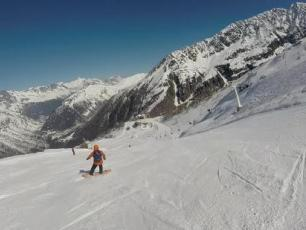 Skiing on Grands Montets, Chamonix Valley, photo @ https://www.tripadvisor.ie
