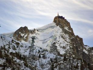 Aiguille du Midi in Chamonix, the departure of the Vallee Blanche