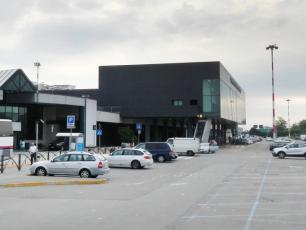 Bergamo Orio al Serio Parking