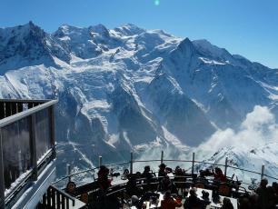 Vous pouvez manger dans ce magnifique restaurant... le Panoramique Mont Blanc