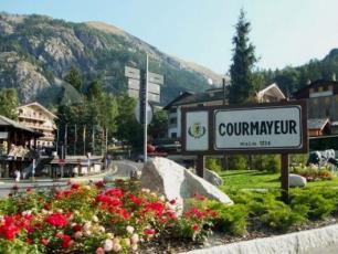 Courmayeur Town