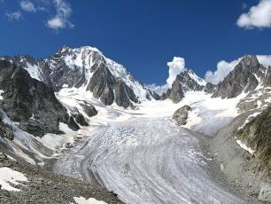View of Glacier d'Argentière in summer, photo @ https://www.chamonet.com/