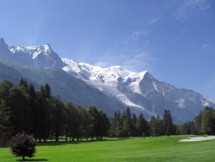 Terrain de Golf à Chamonix, face au Mont Blanc