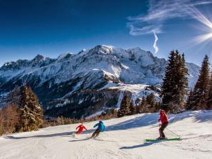 Les Houches permet aux débutants et aux intermédiaires de skier