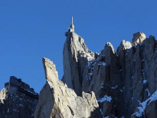 The Aiguille du Midi (3842m) - Photo courtesy of CMB. Copyright @ Robert Pratta