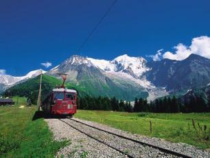Le Tramway du Mont Blanc en été