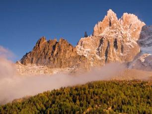 Trekking in Chamonix and the Chamonix Aiguilles