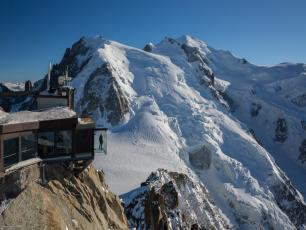 The Aiguille du Midi - Step into the Void. Photo source: @www.montblancnaturalresort.com