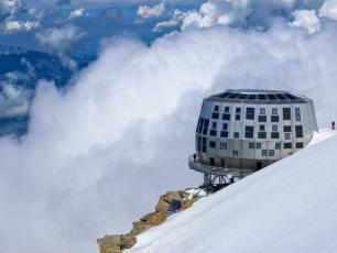 Refuge du Goûter (3,815m)