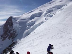 Alpinistes au Refuge Vallot, Mont Blanc, photo @ www.pixabay.com