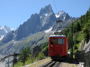 The Red Train of the Montenvers Mer de Glace. Photo source: @www.montblancnaturalresort.com