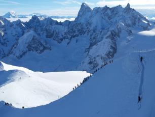 Face nord de l'Aiguille du Midi @ChamonixSkiGuide.com