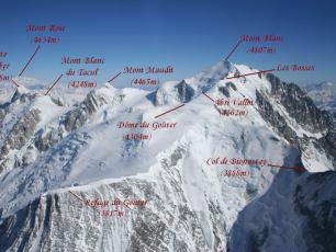 Aerial photo of Mont Blanc. The original uploader was Ceky at French Wikipedia. / CC BY-SA (http://creativecommons.org/licenses/by-sa/3.0/)