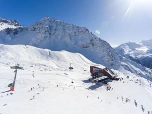 Skiing in Verbier in Switzerland