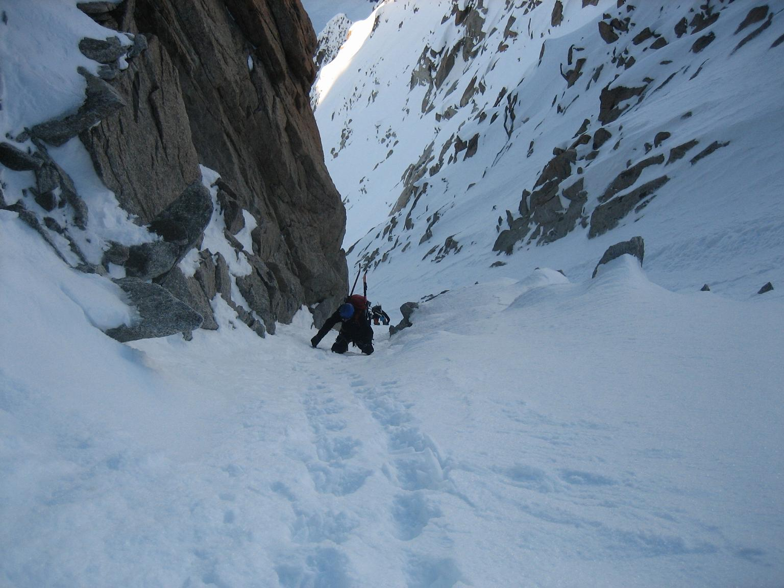 fatality fatal fall above chamonix on the whymper couloir. Black Bedroom Furniture Sets. Home Design Ideas